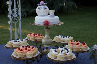 beauty and the beast wedding cake torta nuziale bella e la bestia cupcakes
