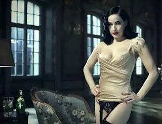 dita-von-tesse-sexy-lingerie-perrier-advert