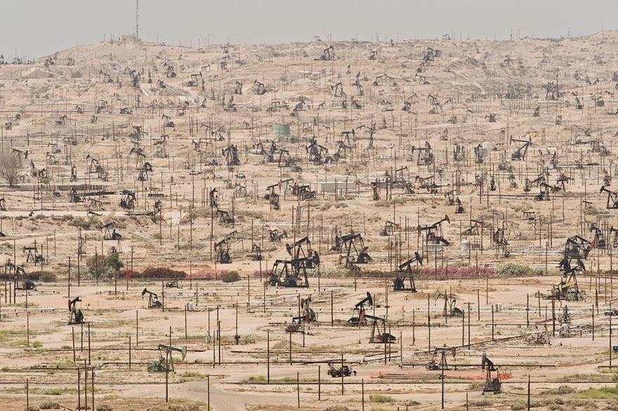 Ladang minyak ken River, California (AS)