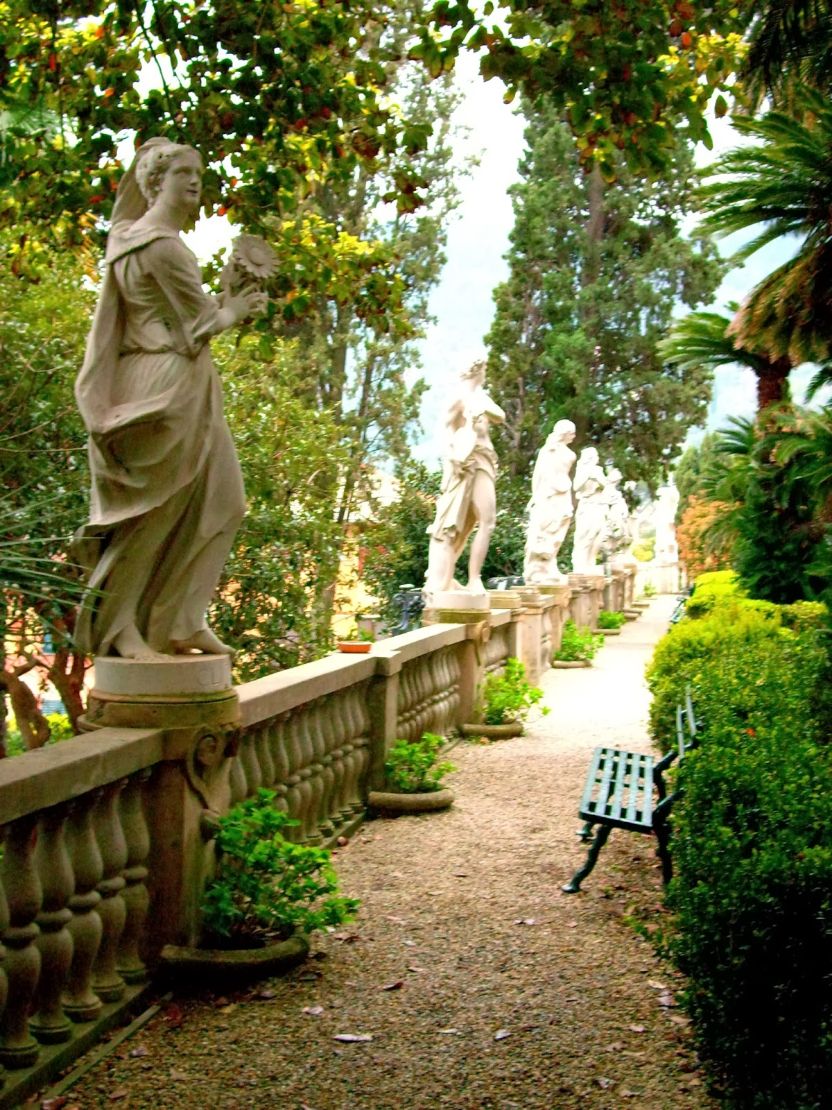 garden has been twinned with the famous hanbury gardens in ventimiglia
