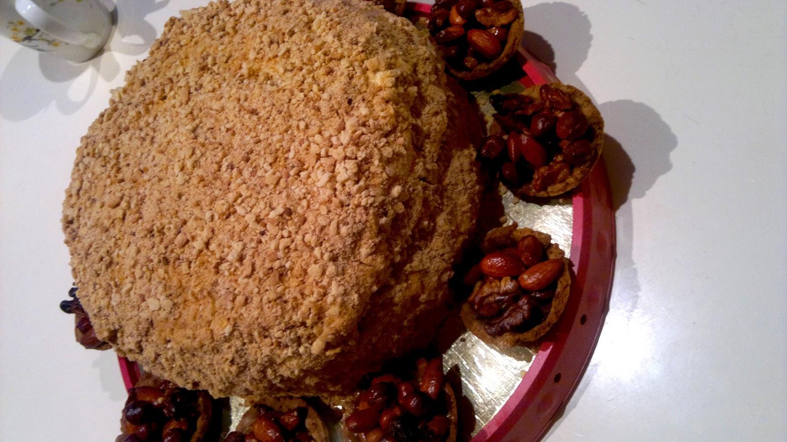 Как печет медовые торты лучшие торты