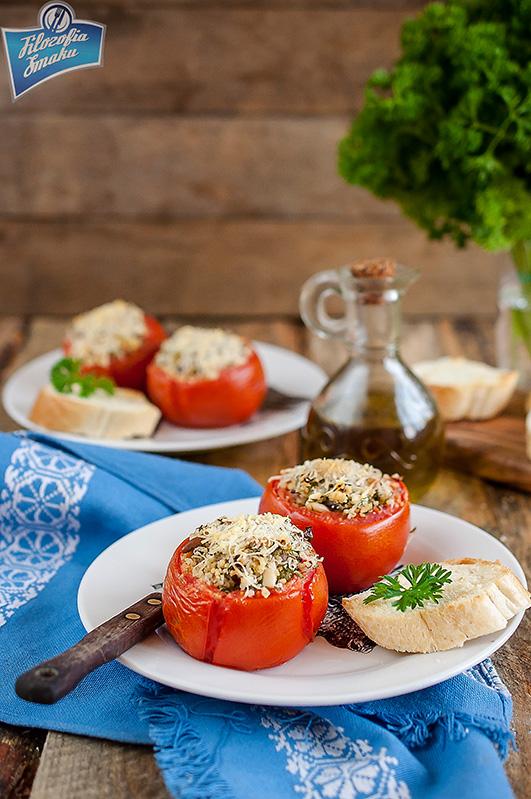 Pomidory nadziewane kaszą
