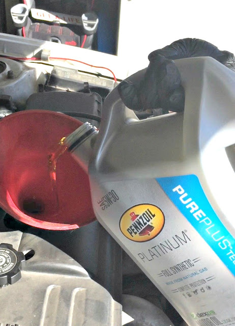 How to change the oil in a car, Step by step tutorial with pictures, How to change the oil in a 2002 Toyota Corolla, Pennzoil Platinum Full Synthetic Motor Oil, #DIYOilChange #Cbias