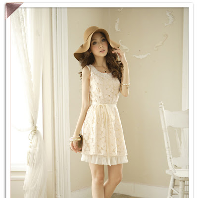 White Pearl Neckline Mesh Lace Party Dress