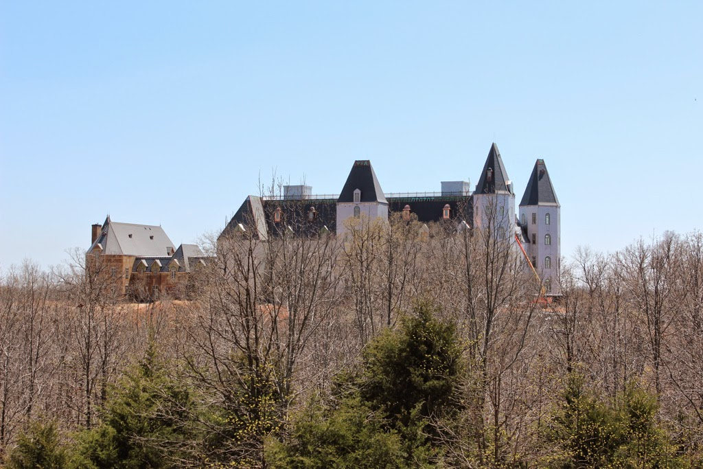 Fortified eco hardened homes chateau pensmore ozark for Pensmore mansion