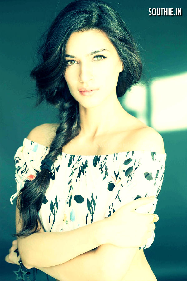 Kriti Sanon to play the heroine in Thala 57, Ajith's thala 57 is one of the most awaited projects of Ajith after the blockbuster success of Vedalam.