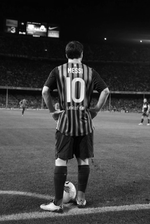 Free sport alerts lionel messi awesome wallpapers lionel messi back view in black shirt voltagebd Gallery