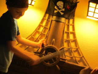 Caribbean Beach Resort, pirate suite, pirate bed, pirate bedroom, Walt Disney World