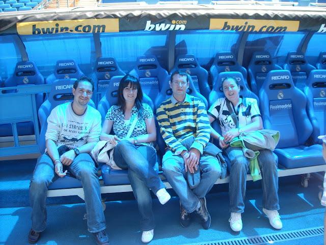 estadio santiago bernabeu futbol real madrid banquillo