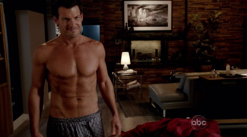 Mark Deklin Shirtless in GCB s1e02
