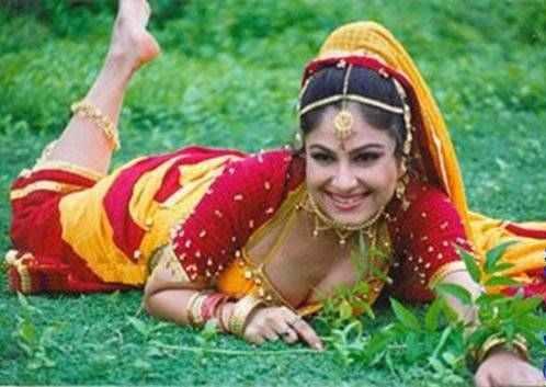 Naked Ayesha Jhulka 17