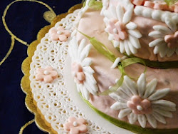Torte decorate con pasta di zucchero,  belle da vedere e buone da mangiare ;)