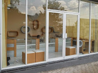 furniture semarang - etalase toko kacamata 09