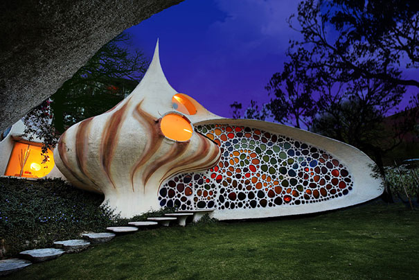 Seashell house - World most beautiful houses...(D M 3)