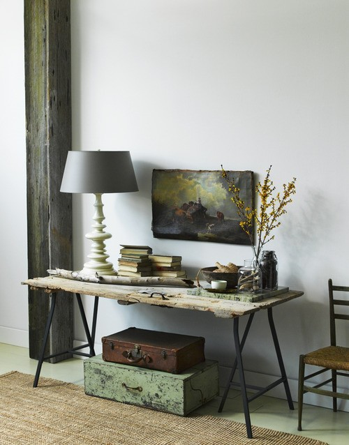 Auction Decorating: Console tables anywhere!