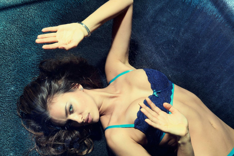 Irina Shayk goes seductive for new lingerie photoshoot