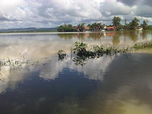 3 Meninggal dan 1.153 Terendam Banjir di Madura