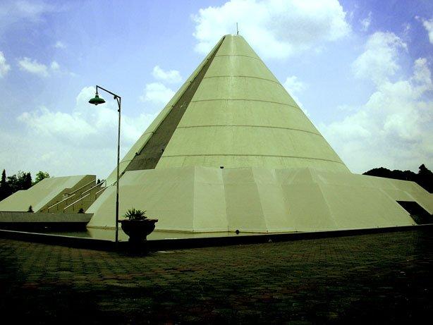 Monumen Sejarah Yogya Kembali