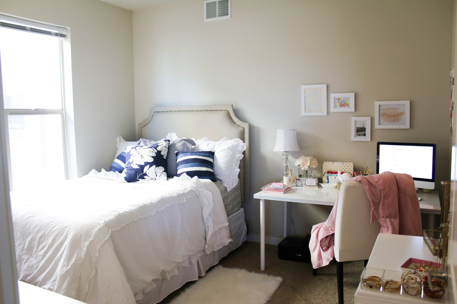 bows pearls sorority girls office bedroom tour