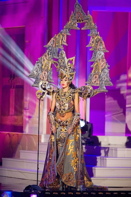 Chatter Busy: Miss Indonesia Elvira Devinamira Wins Best ...