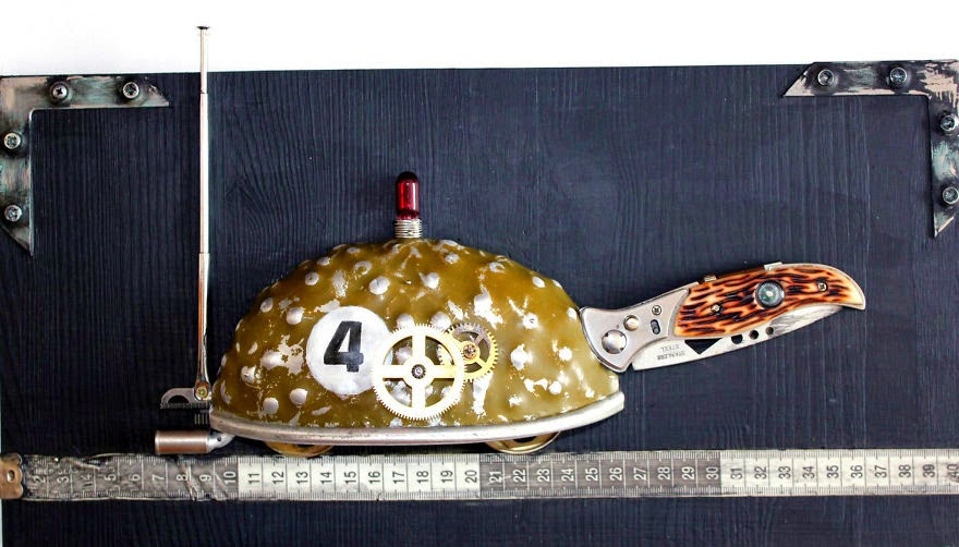 10-Tortoise-Arturas-Tamasauskas-Recycled-and-Upcycled-Steampunk-Sculptures-www-designstack-co