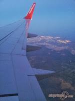 Im Flugzeug mit Handgepäck