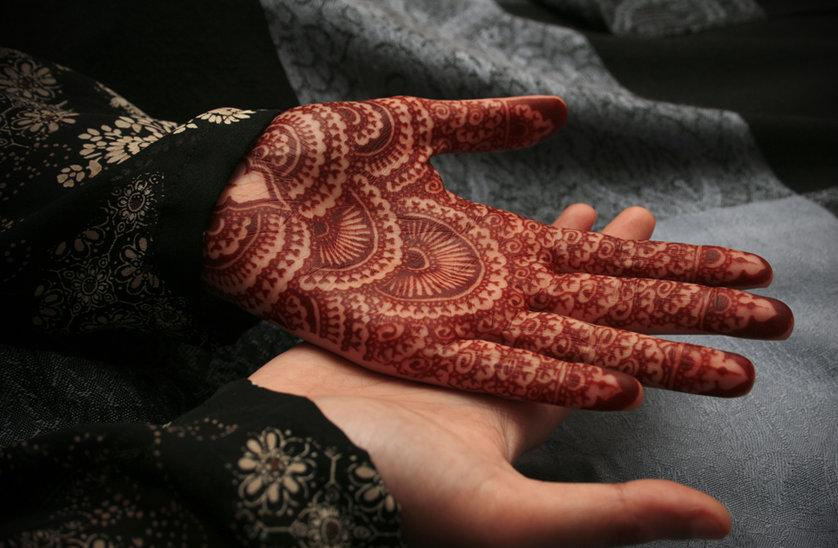 Mehndi Symbols Patterns And Meanings : Mehndi design most of ladies apply for their loved ones