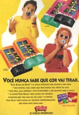"""Propagada do chiclete """"Ploc Black ou Blue"""" em 1996. Chiclete que brincava com sorte ou azar nas figurinhas."""