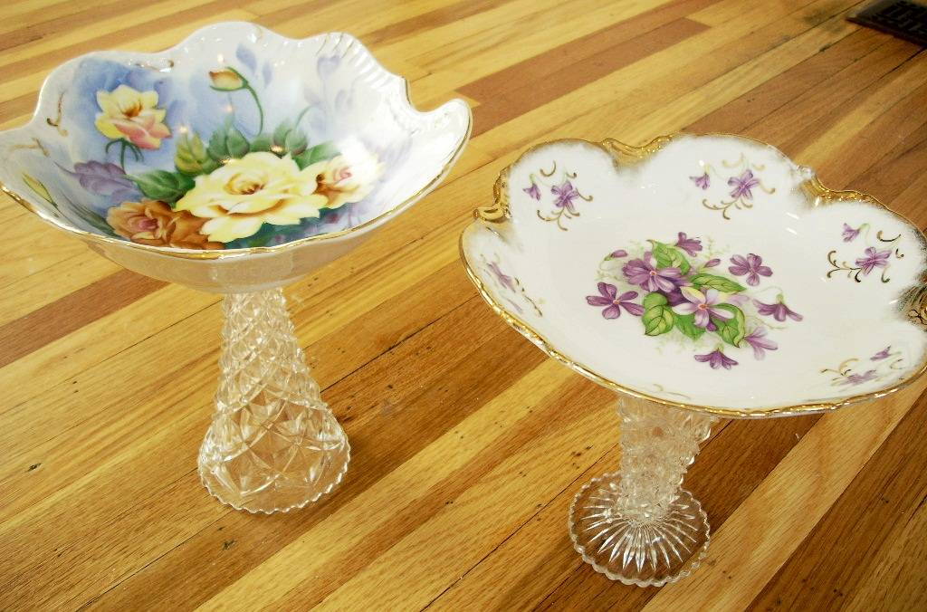 Crazy thrifty crafts antique china and glass jewelry stands for Craft ideas for old dishes