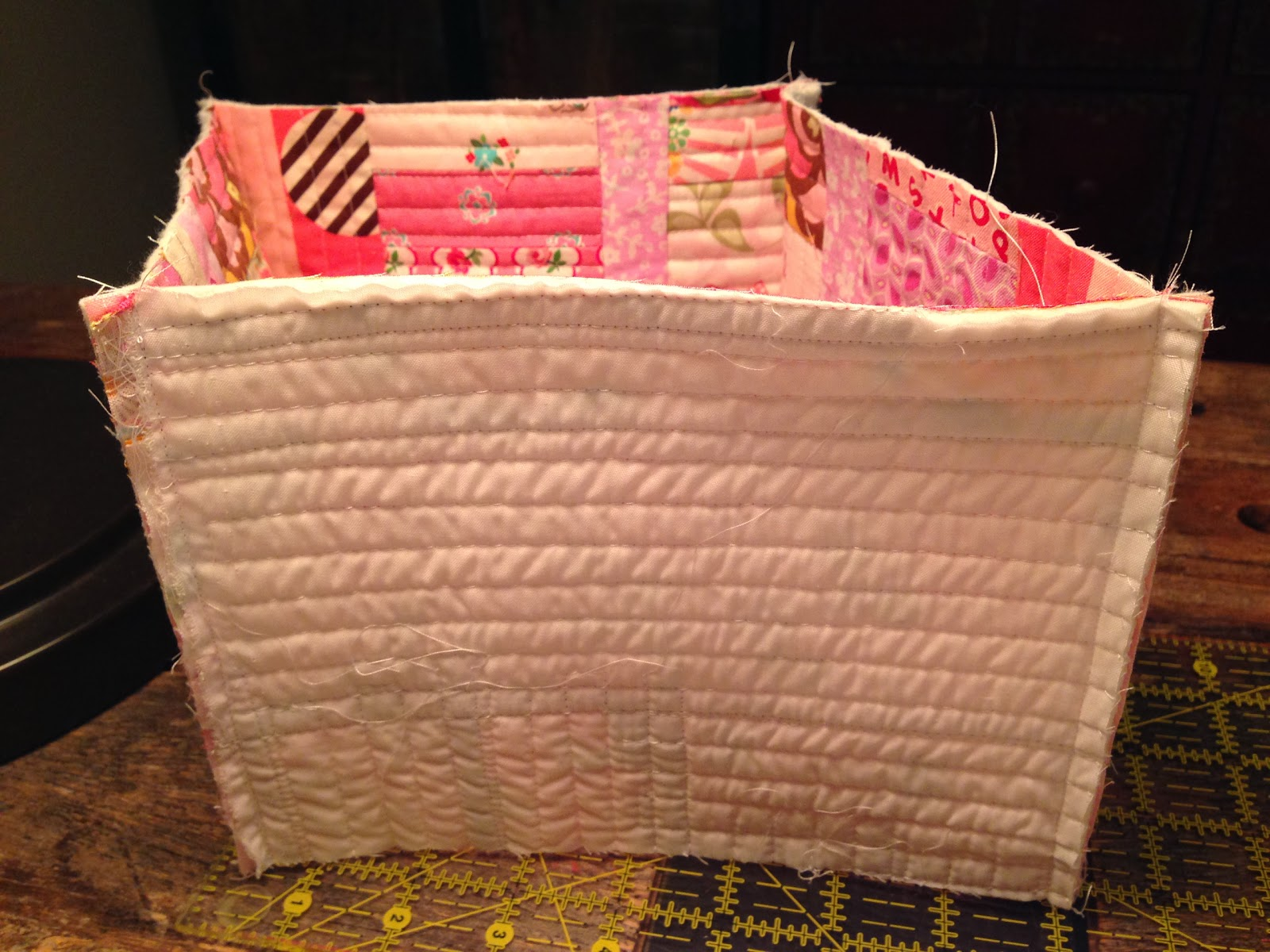 dream quilt create: Lined Fabric Basket Tutorial : quilted basket pattern - Adamdwight.com