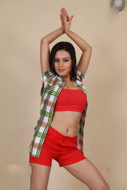 Anu Smruthi spicy stills