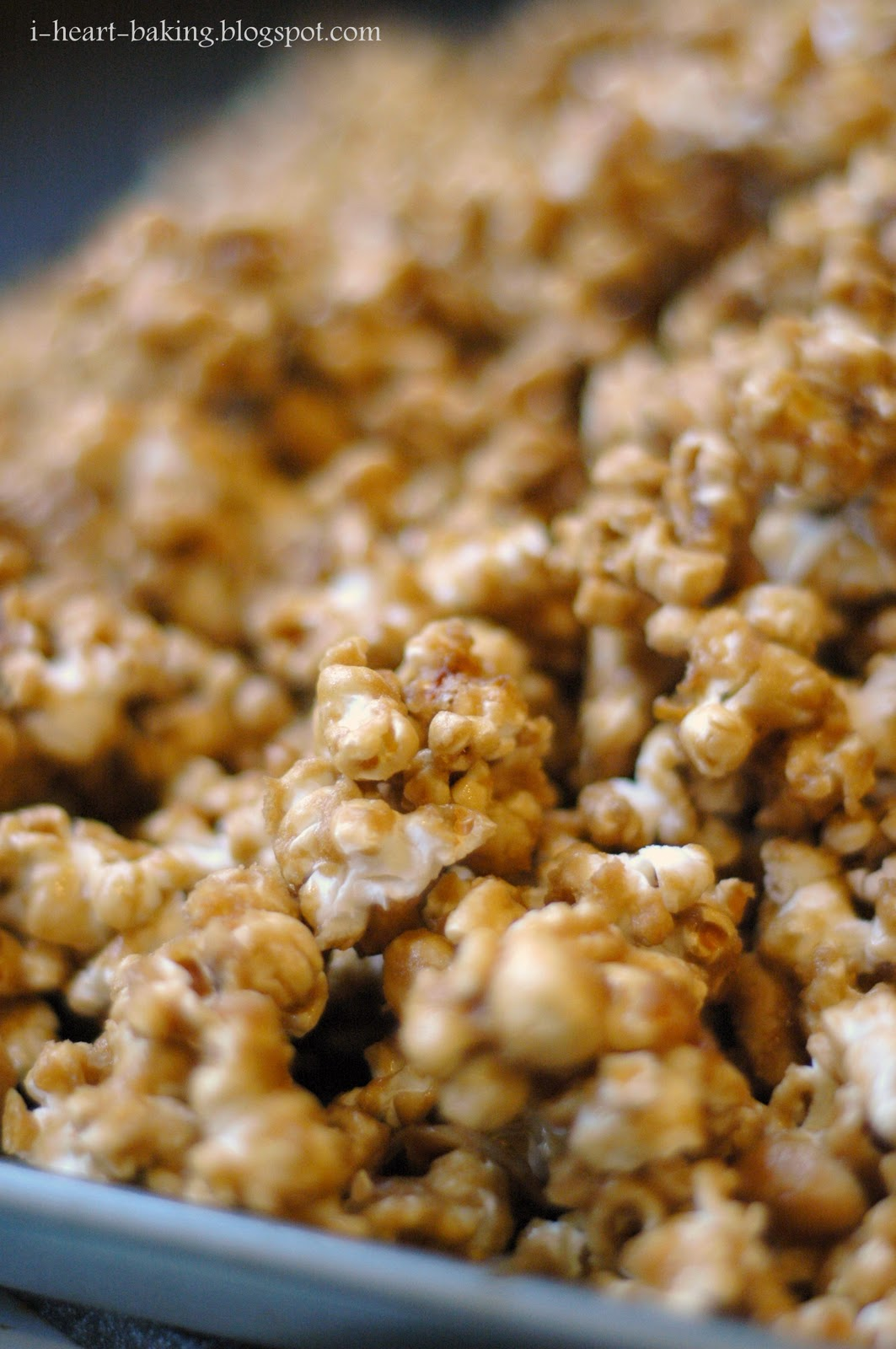 i heart baking!: homemade caramel popcorn