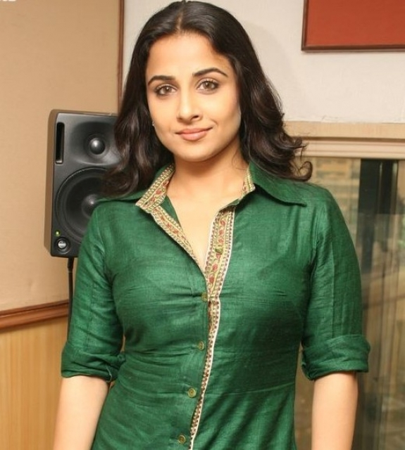 The Dirty Picture Actress Vidya Balan Latest Cute Photos wallpapers