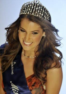 Miss World Hungary 2011 Linda Szunai