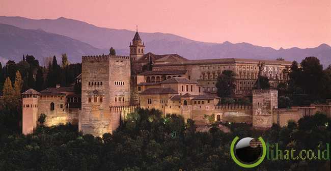 3. Alhambra