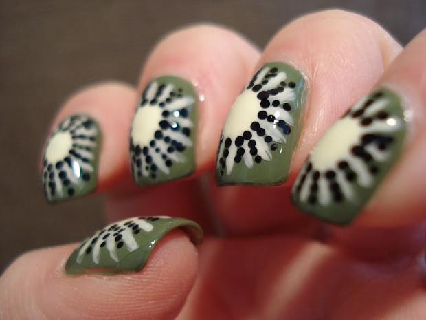 little nailpolish kiwi nail