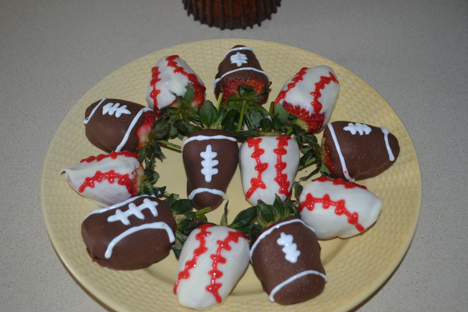 ... Yinz Mangia: The Red Ripe Strawberries and the BIG HUNGRY BOYFRIEND
