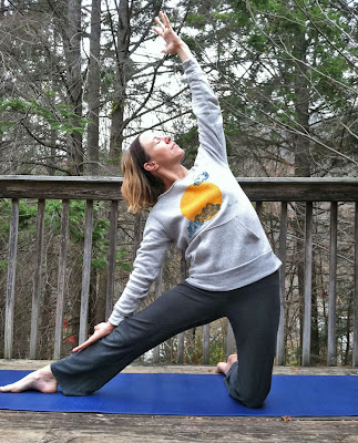 GatePose - Takin It Easy In the Take It Easy Fleece Pullover