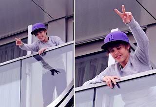 Justin bieber in balcony