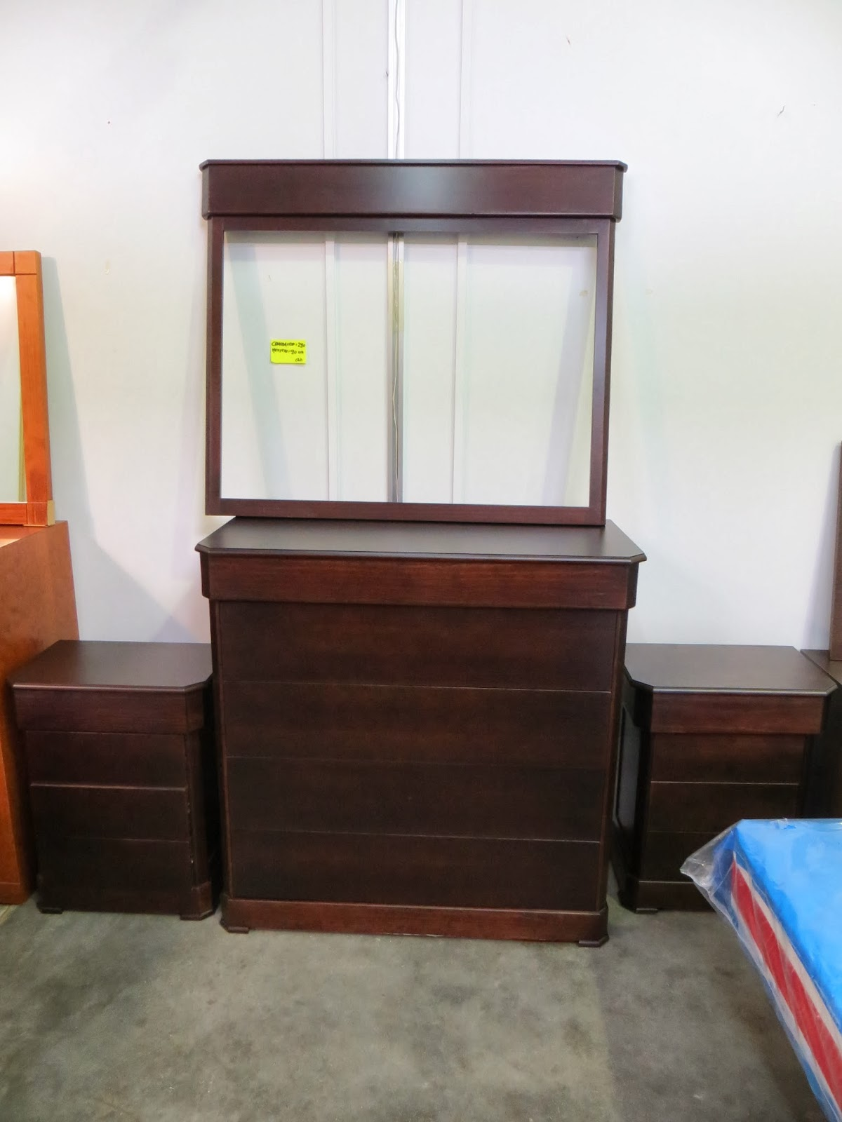 Muebles y art culos de decoraci n a precios chollo for Muebles rusticos en lucena