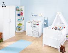 cuarto de bebés blanco celeste
