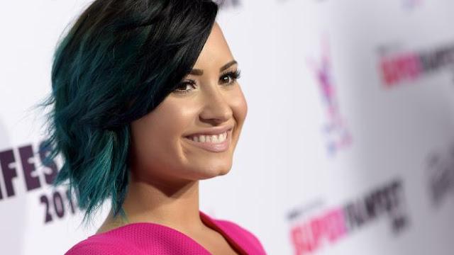 """Demi Lovato cantó """"Confident"""" en el """"Idol"""" de Suecia."""