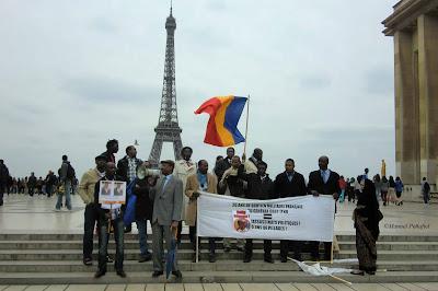 Manifestantes de Chad en París Foto ©Manuel Penafiel