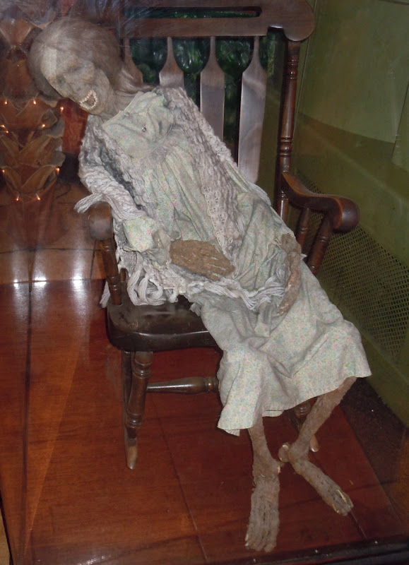Psycho IV Norman Bates Mother prop