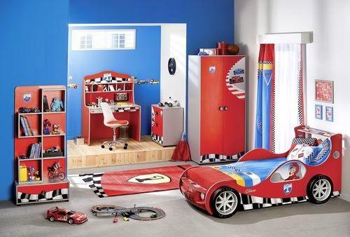 Camere per bambini: letto a tema cars 2 saetta mcqueen a forma di
