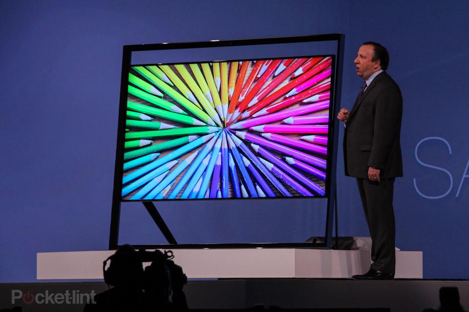 Innovations futuristic samsung fissa il prezzo della for Distanza tv 4k