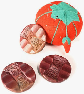1960s Tiki Style Plastic Buttons from Hey Viv ! - The internet is a treasure trove for the adventurous seamstress!