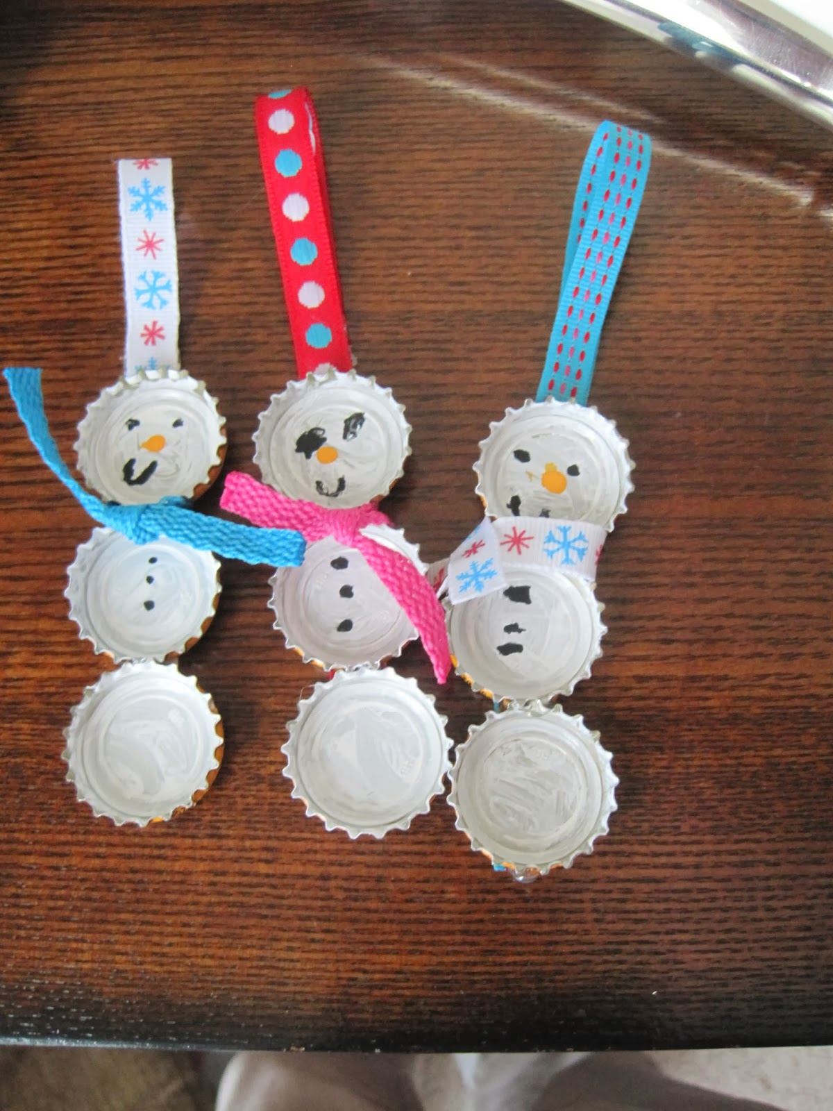 Atwood family of five christmas gifts for Bottle cap christmas crafts