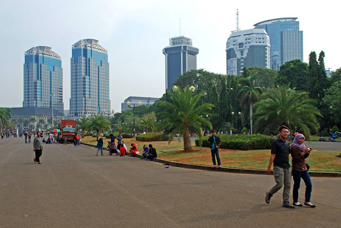 Edificios cercanos a la Plaza Merdeka