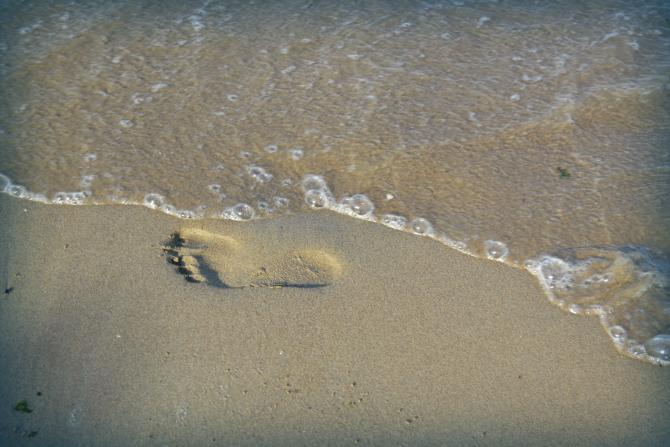 impronta sulla spiaggia